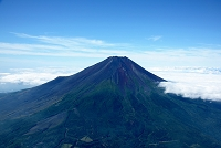 山梨県 雪の無い富士山 撮影高度3,300m