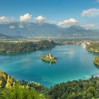 スロベニア 秋のブレッド湖