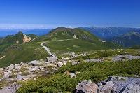 岐阜県 大黒岳から乗鞍スカイラインと烏帽子岳と北アルプス