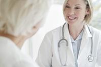 外国人女性医師