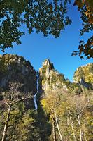 北海道 銀河の滝(層雲峡)の秋