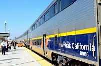 カリフォルニア ハンフォード駅 二階建て車両