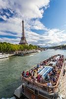 フランス パリ セーヌ川とエッフェル塔