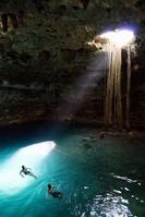 メキシコ ユカタン半島 石灰岩地帯 鍾乳洞 洞窟 セノーテ ...