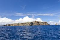 東京都 小笠原諸島にて海より望むケータ島(聟島)
