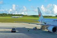グアム 日本航空ボーイング767ドラえもんジェットとユナイテッ...