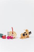 南雲伊予一刀彫り宝犬と正月飾り