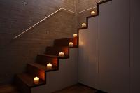 階段に飾ったキャンドル