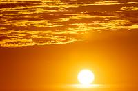 太陽と朝焼け