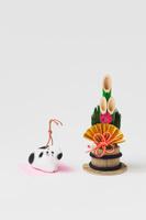 高山土人形犬鈴と正月飾り