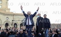 アルメニア軍が首相辞任を要求