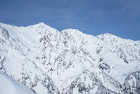 長野県 八方尾根からの雪の北アルプス、白馬三山の山並みと青空