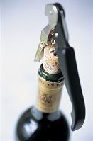 ワインのボトル/ソムリエナイフ