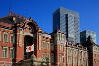 東京駅と日の丸