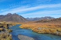 カナダ 秋のトゥームストーン準州立公園