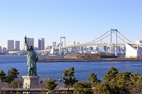 東京都 レインボーブリッジと自由の女神像