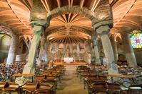 スペイン コロニア・グエル教会