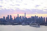 ニューヨーク マンハッタン ハドソンリバー 豪華客船 朝