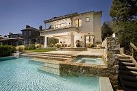 アメリカ合衆国 プールがあるモダンな邸宅