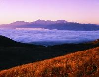 長野県 朝の霧ケ峰より南アルプス