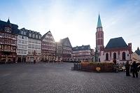 ドイツ フランクフルト レ―マー広場の朝