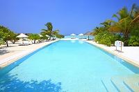 モルディブ リゾートのプール