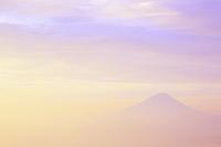 山梨県 櫛形山林道 富士山と夜明け空