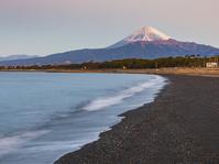 静岡県 朝の駿河湾と富士山